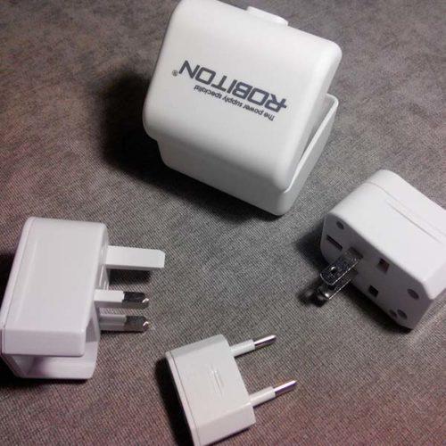 Сетевой универсальный переходник ROBITON Travel Energy-2